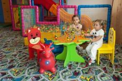 Kinderspielzimmer Hote...