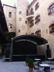 Unsere Bühne auf Schlo...