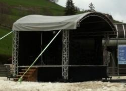 Bühne im Schnee Gassl ...
