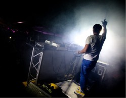 Live Act Mike Candys...