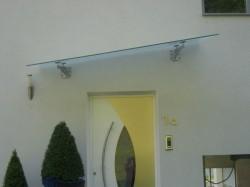Vordach mit Glasabdeck...
